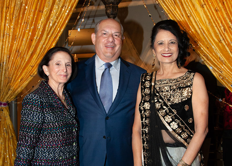 Andy (J.D.'73) and Andrea (J.D.'76) Diamond with UH President Renu Khator